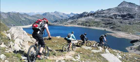Mountainbiker auf dem Passo del Naret
